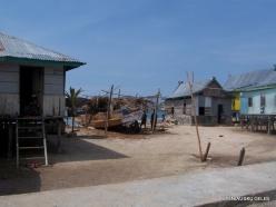 Komodo National Park. Pulau Kukusan island. Fishing village (8)