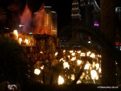 Las Vegasas. Mirage Volcano Show (10)
