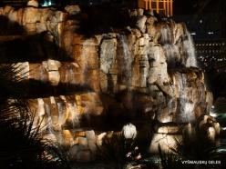 Las Vegasas. Mirage Volcano Show (12)