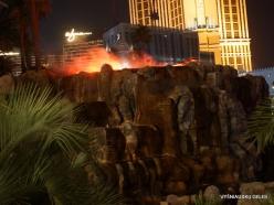 Las Vegasas. Mirage Volcano Show (2)