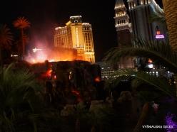 Las Vegasas. Mirage Volcano Show (3)