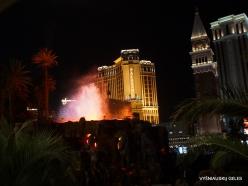 Las Vegasas. Mirage Volcano Show (4)