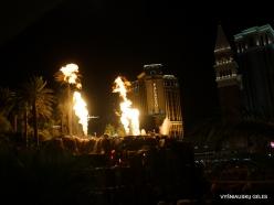 Las Vegasas. Mirage Volcano Show (5)