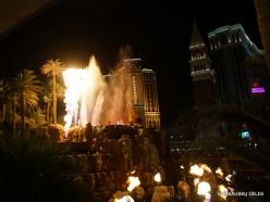 Las Vegasas. Mirage Volcano Show (7)