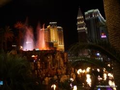 Las Vegasas. Mirage Volcano Show (9)